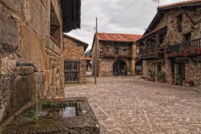 Barcena-Mayor-Fuente-