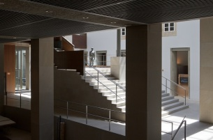 Coruña_-_Museo_de_Belas_Artes_-_Vista_hall_03